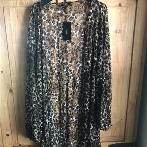Other - BNWT Long plus Size Leopard Duster